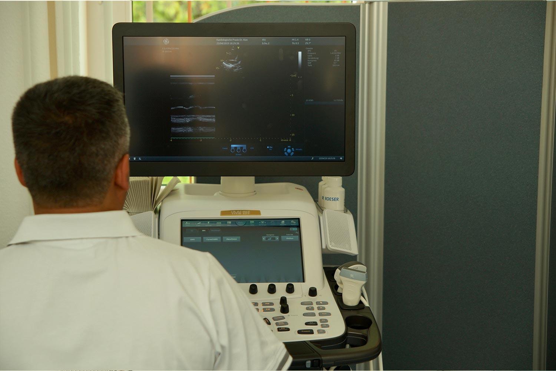 Transthorakale Echokardiographie | Kardiologie Laupheim Dr. Alan